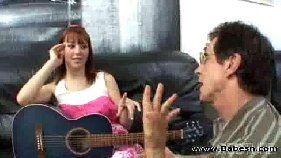 Aula de violão com a safada acaba em sexo