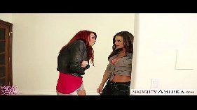 Maduras Monique Alexander e Nicole Aniston fazendo sexo