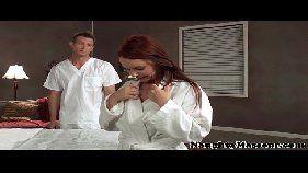 Casada na suruba deliciosa morena fazendo sexo em uma massagem gostosa