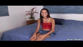 Novinha magrinha gozando muito no xvideo.com