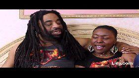 Jamaicano tarado enrabando a neguinha puta