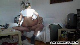 Sexolandia loirinha malandra brincando com a pica do namorado pauzudo