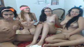 Novinhas safadas se deliciando na foda lésbica