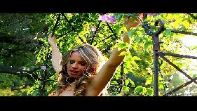 Linda ninfetinha modelo fazendo sexo com a amiguinha lésbica morena
