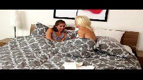 Ilha do prazer novinha gostosa peituda fazendo sexo com a irmã loira taradinha