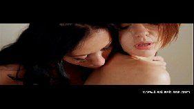 Duas lésbicas lindas fudendo gostoso no motel