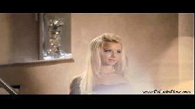 X vídeo porno online de uma linda loirona da boca de veludo felpuda que adora provar com tudo uma rola para dentro