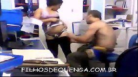 Faxineira sexual liberando a xota pro seu patrão