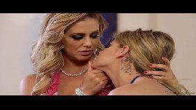 Novinha lesbicas do grupo do whats app transando gostoso