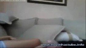 Despertando a amiga da irmã com piroca na pepeca