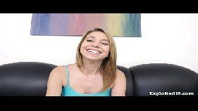 Samba porno video de sexo novinha de 18 anos levando pica grossa na bucetinha malandra