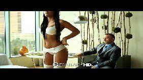 Xvideos porno com morena de quatro bem gostosa levando na xoxota