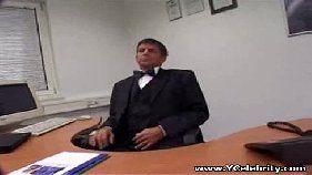 Sexo rolando solto na sala do chefe com a secretaria