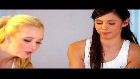 XXX videos com lésbicas novinhas e magrinhas