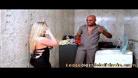 Xvides porno online com uma loira gostosa brasileira bem sem vergonha que adora um pau preto e bem grande