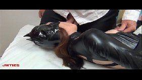 Novinha vestida de batgirl malandra pagando boquete profissional pro malandro