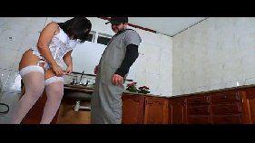 Brasileira fodendo na cozinha em vídeo pornô