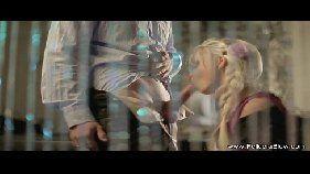 Novinha loira mamando o pinto murcho do namorado safado