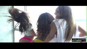 Tres amigas putinhas fazendo sexo novinhas amadoras liberando caseiras tube