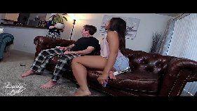 Negra da bunda grande dando pro coroa do xvideos.com