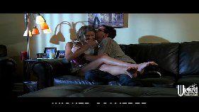 X videos morena transando em cima do sofá