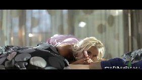 Video de sexo com loirinha gatinha pagando um boque love foda