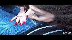Xx videos com mais uma novinha toda branquinha provando que sabe como cair de boca em uma pica com tudo