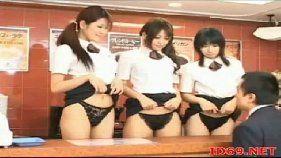 Estudantes asiáticas em filme porno amador