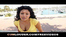 Vídeo de sexo – Moreninha saborosa fodendo por dinheiro