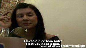 Sexopop morena safada madura dando a buceta em video amador
