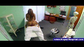 O doutor e a enfermeira