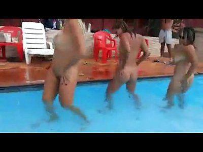 Loiras lindas peladas fazendo porno lésbico caseiro