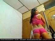 Puta provocante se exibindo na webcam
