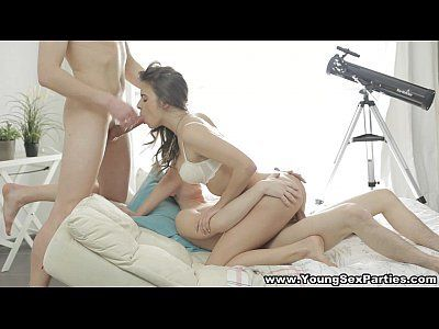 Vídeo porno suruba em hd gata delicia dando com prazer