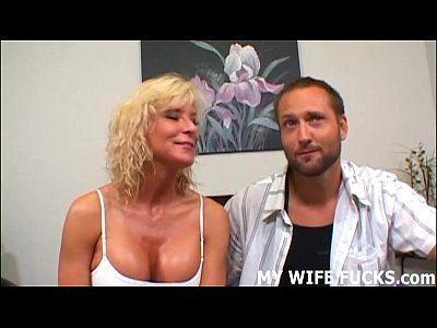 Vídeo porno grátis com maduras deliciosas chupando e dando