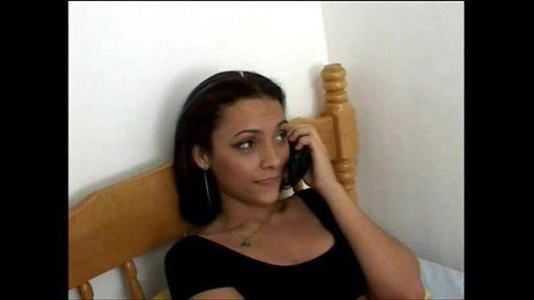 Amadora e namorado fazendo sexo com a webcam ligada