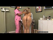 Loira deliciosa pelada na consulta a ginecologista