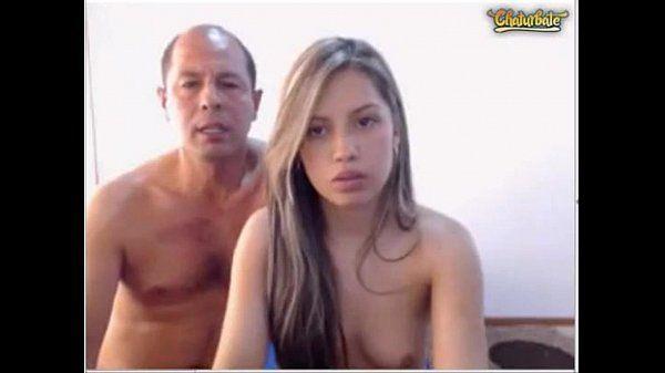 Pai safado dando pica na sua filha novinha