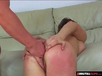 Jovem comendo a tia gostosa no vídeo de sexo incesto