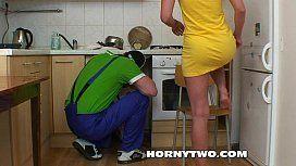 Filha do patrão metendo com encanador casado