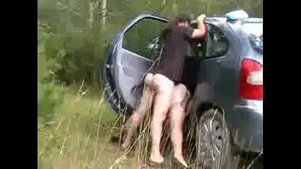 Paradinha rápida na viagem pra fazer um sexo selvagem