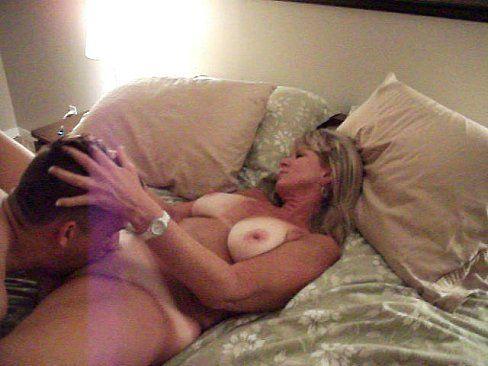 Muito sexo amador grátis nesse vidio porno online