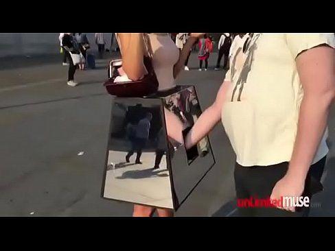 Videos de bucetas grátis com gostosa abrindo a xota por 5$ em video pornor polêmico