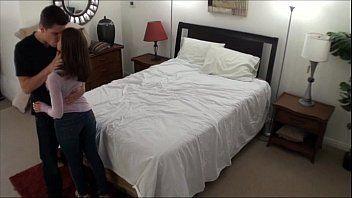 fudendo a cunhada gostosa em cima da cama