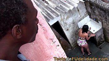 negro comendo a enteada novinha