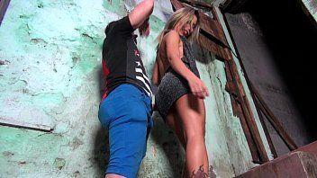 Loira da favela em filme pornô das Brasileirinhas