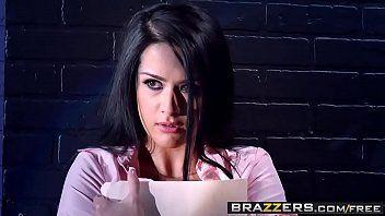 Meninas metendo morena  peituda da brazzers dando pro chefe tarado