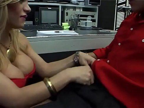 Mulheres gozando muito morena mamando a pica do namorado pauzudo
