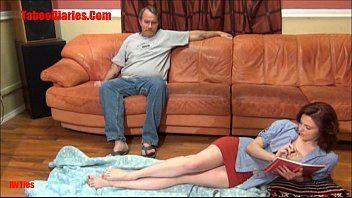 Video amador de novinha transando com seu pai