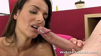X vídeo porno online gratis com uma morena linda de peitinho pequeno mas bem durinho  e de origem latina que ama uma pica